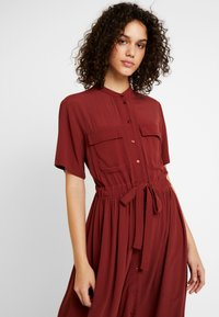 YAS - YASNEELA DRESS - Skjortklänning - madder brown - 3