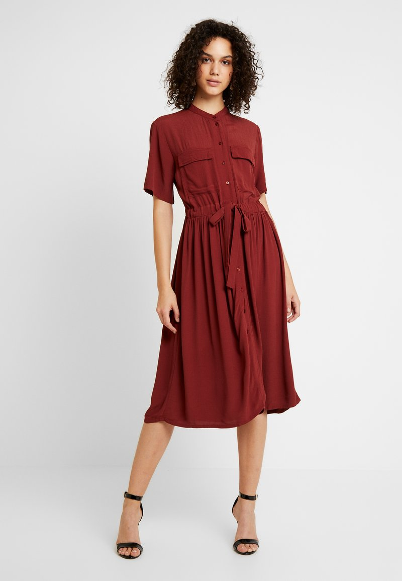 YAS - YASNEELA DRESS - Skjortklänning - madder brown