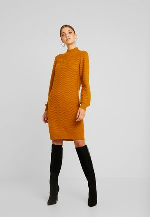 YASBRENTRICE DRESS - Gebreide jurk - buckthorn brown