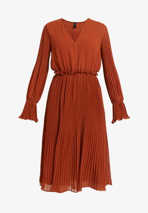 YASJOLANA DRESS - Freizeitkleid - caramel café