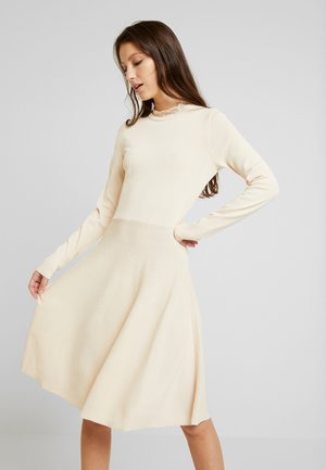 YASBECCO DRESS - Strikket kjole - off-white