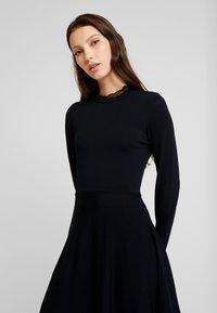 YAS - YASBECCO DRESS - Strikket kjole - black - 6