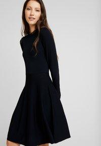 YAS - YASBECCO DRESS - Strikket kjole - black - 4