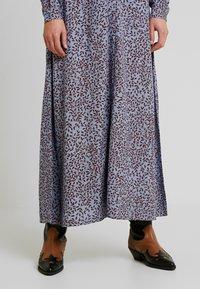 YAS - YASNEELA LONG DRESS - Maxi šaty - light blue - 6