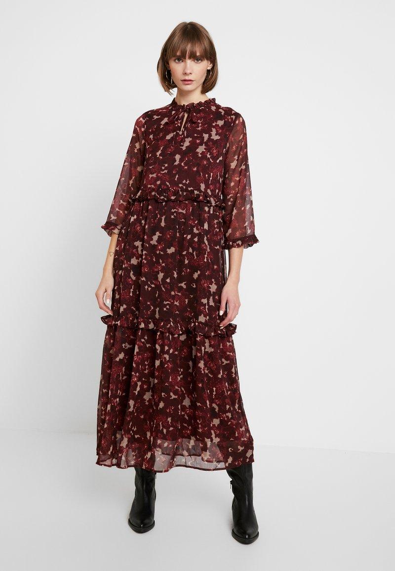 YAS - YASTIFFANI ANKLE DRESS - Długa sukienka - syrah/tiffani print