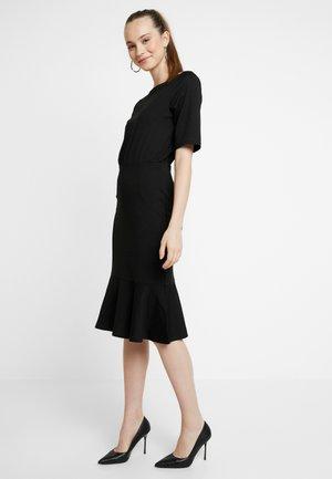 YASDOROTHY DRESS PARTY - Etuikjole - black