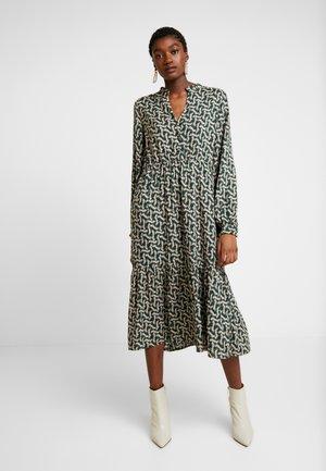 YASSYLVIA DRESS  - Denní šaty - green