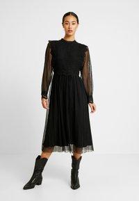 YAS - YASSOPHIA MIDI DRESS - Sukienka koktajlowa - black - 0
