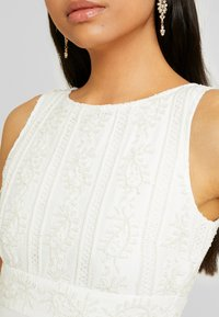 YAS - YASIBYLLA TRAIN DRESS CELEB - Suknia balowa - star white - 4