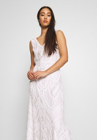 YAS - YASSAVANNAH DRESS CELEB - Robe longue - star white - 3