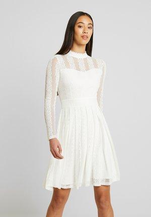 YASHELENA DRESS - Vestido informal - star white