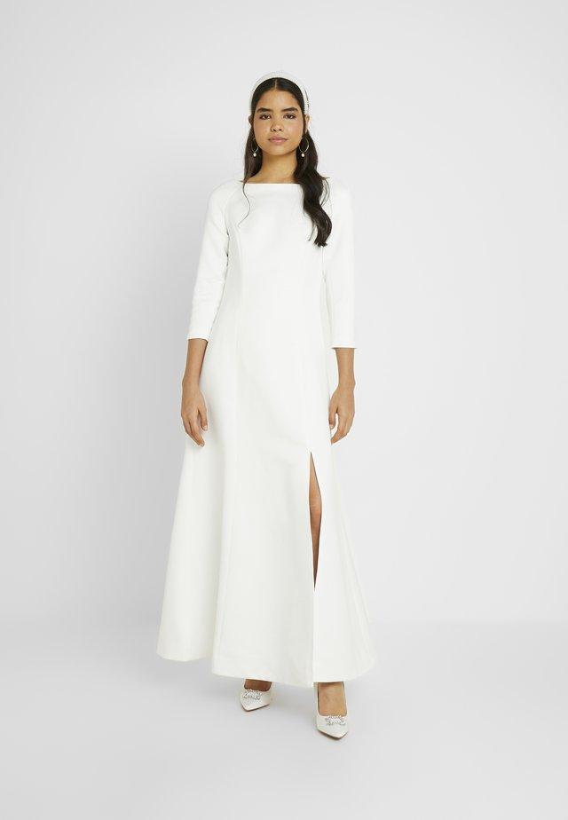 YASDORIA MAXI DRESS - Společenské šaty - star white