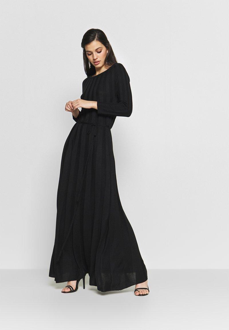 YAS - YASCHELSEA 3/4 ANKLE DRESS  - Maxi-jurk - black