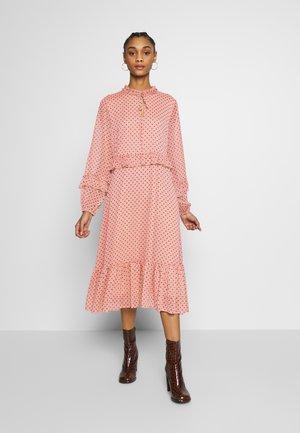 YASAIDA MIDI DRESS - Korte jurk - misty rose