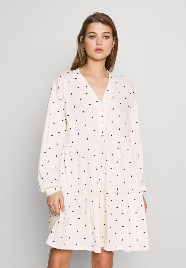 YASJUSTINE SHORT DRESS - Trikoomekko - star white/black