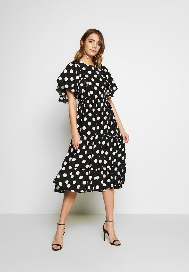 YASJANESSA MIDI DRESS - Denní šaty - black/janessa