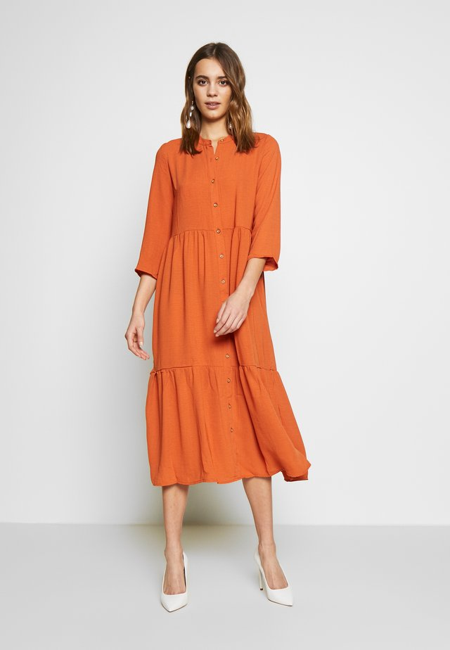 YASJACOBINA 3/4 MIDI DRESS - Korte jurk - russet orange