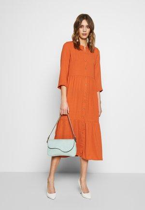 YASJACOBINA 3/4 MIDI DRESS - Vestito estivo - russet orange