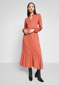 YAS - YASJUNE DRESS - Vestito di maglina - bruschetta - 0