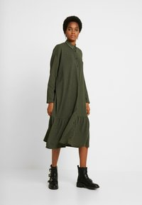 YAS - YASCHECKIE DRESS - Skjortekjole - olive night - 2