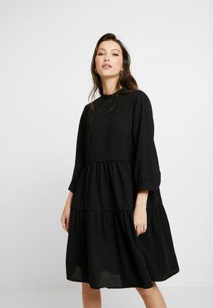 YASMELLE DRESS - Freizeitkleid - black