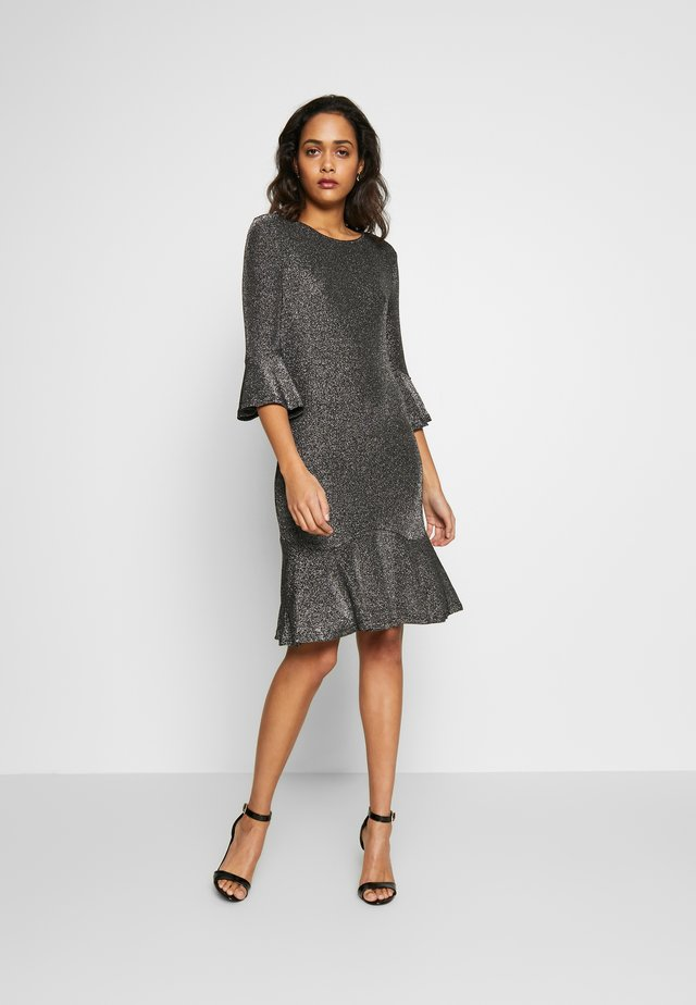 YASOPI DRESS - Cocktailklänning - silver