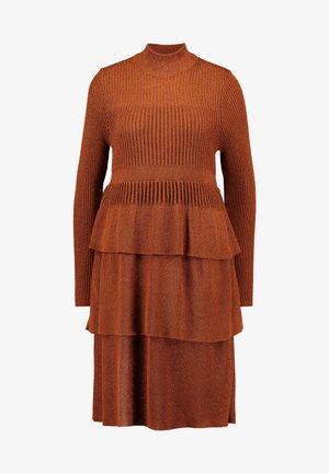 YASLILAH KNIT DRESS - Neulemekko - copper brown
