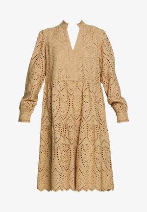 YASHOLI - Day dress - tannin