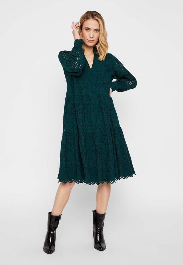 YASHOLI - Vapaa-ajan mekko - ponderosa pine