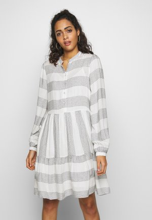 YASLAMALI DRESS - Skjortekjole - eggnog/carbon