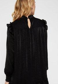YAS - Korte jurk - black - 3