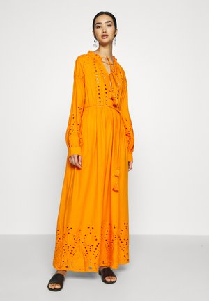 YASRINA ANCLE DRESS FEST - Maxikjoler - russet orange