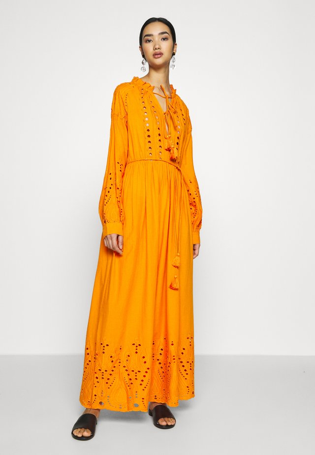 YASRINA ANCLE DRESS FEST - Maxi-jurk - russet orange