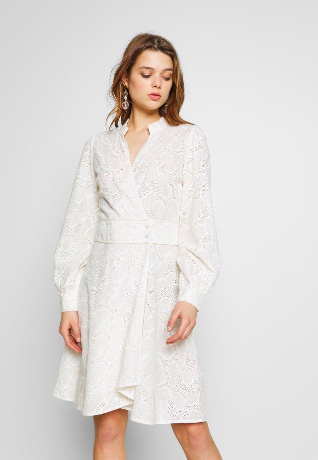 YASLYDIANNA WRAP DRESS - Shirt dress - star white