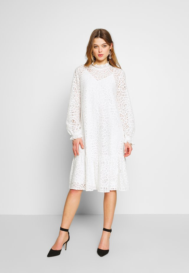 YASIRIA DRESS - Korte jurk - star white