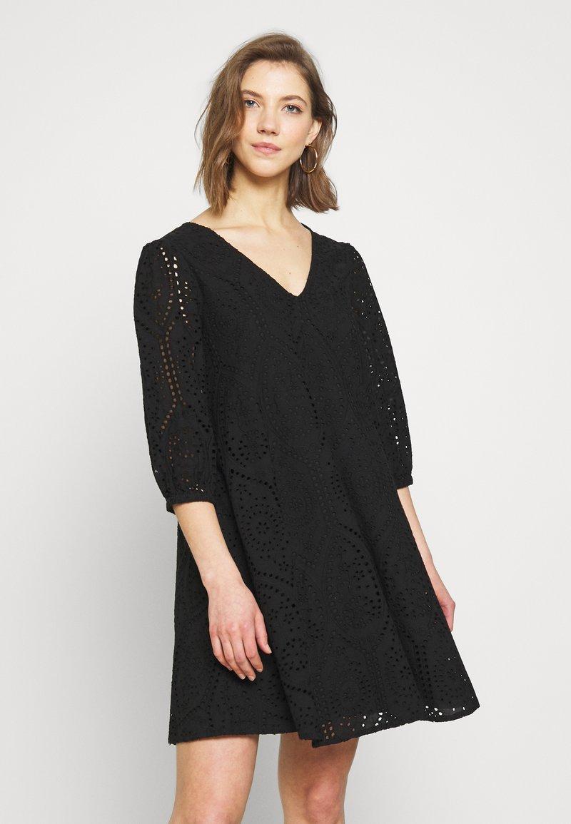 YAS - YASPENNY DRESS  - Korte jurk - black