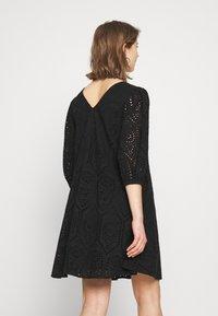 YAS - YASPENNY DRESS  - Korte jurk - black - 2