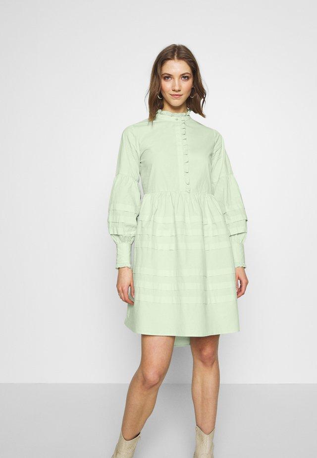 YASNELLIE DRESS  - Vapaa-ajan mekko - sea foam