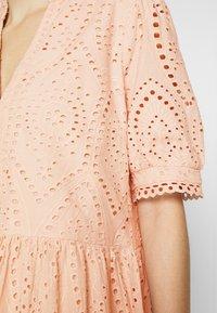 YAS - YASHOLI DRESS  - Denní šaty - cameo rose - 6