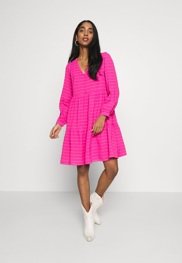 YASPINKA MIDI DRESS - Korte jurk - hot pink