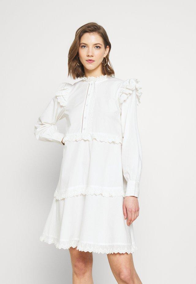 YASCHLOEL LS DRESS - Blousejurk - star white