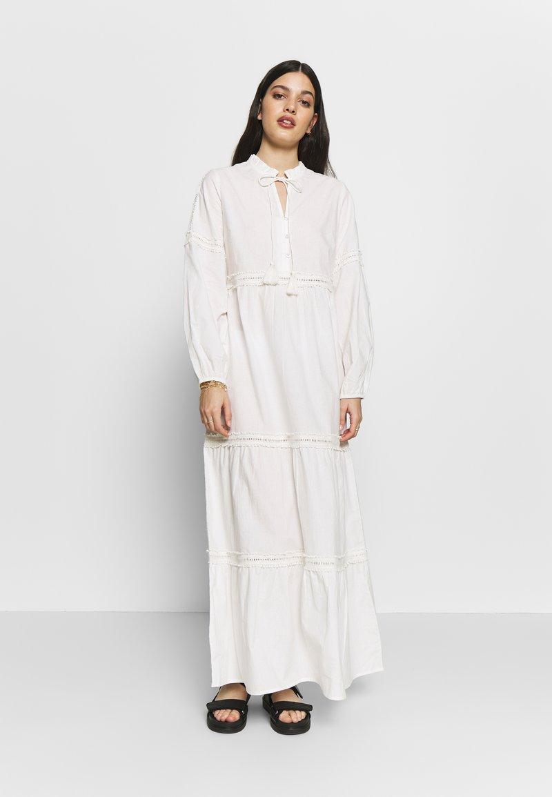 YAS - YASVIGGA DRESS - Robe longue - star white