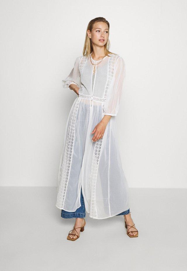 YASDAGMAR THROW OVER - Summer jacket - star white