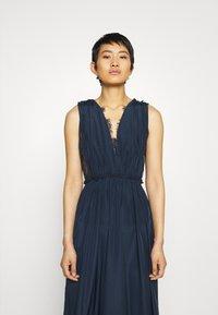 YAS - ELENA MAXI DRESS SHOW - Galajurk - dark sapphire - 3
