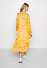 YAS - YASSWIRLY MIDI DRESS - Kjole - cadmium yellow - 2