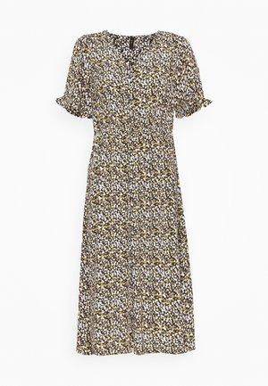 YASSELMA DRESS - Denní šaty - black