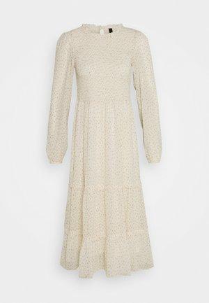 YASVIOLA DRESS - Vapaa-ajan mekko - eggnog