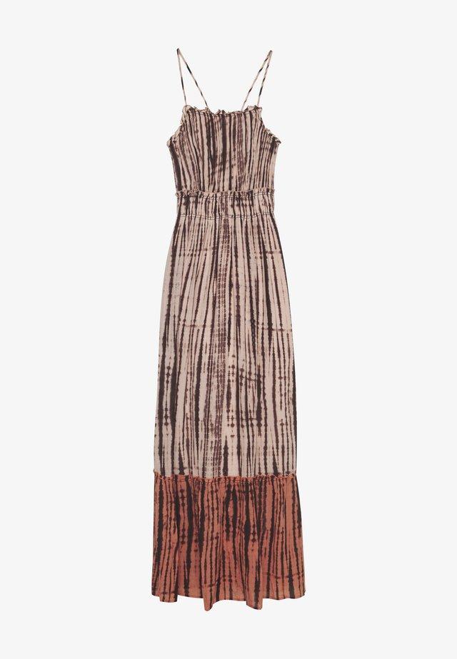 YASTIPPA DRESS  - Vapaa-ajan mekko - sandshell