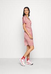 YAS - YASAYLIN DRESS  - Korte jurk - eggnog - 1