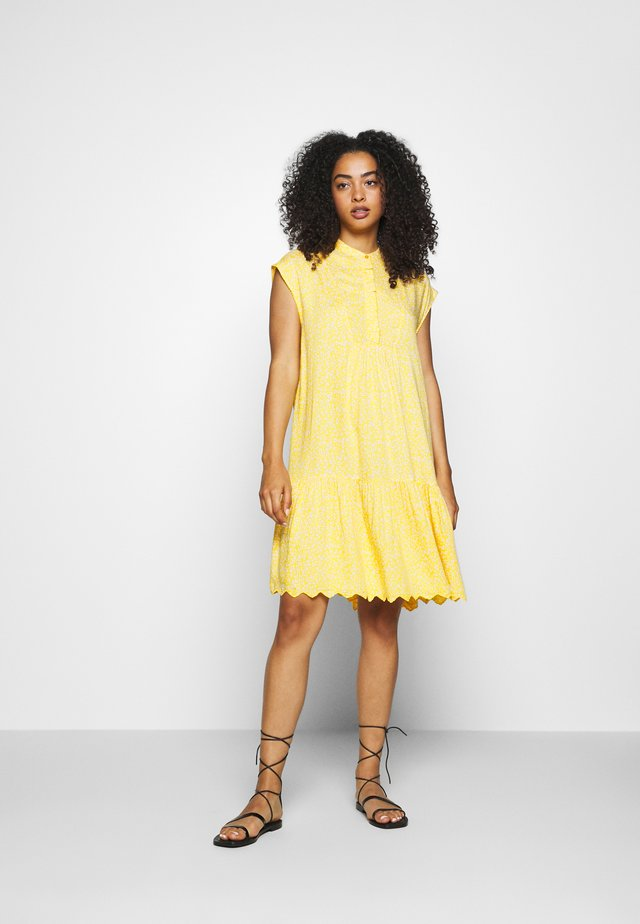 YASJANICE DRESS - Day dress - citrus